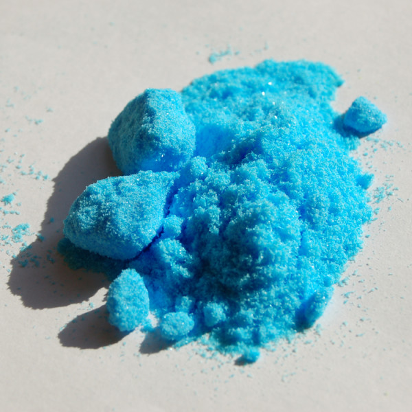 Copper(II)-sulfate-pentahydrate-sample